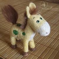 валяная лошадь, лошадь в яблоках